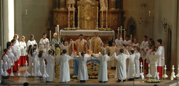 kleidung eoines katholischen pfarrers